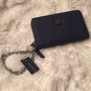 Navy Tommy Hilfiger wristlet wallet